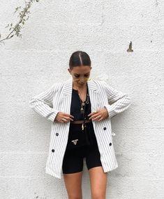 Waiting for the sun 🌞 - style - Biker Shorts Fashion Killa, Look Fashion, Daily Fashion, Autumn Fashion, Fashion Outfits, Womens Fashion, Blazer Outfits Casual, Classy Outfits, Short Outfits