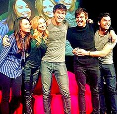 Pretty Little Liars Janel Parrish, Vanessa Ray, Keegan Allen, Tyler Blackburn, Ian Harding