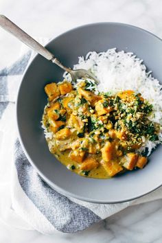 Creamy Thai Sweet Potato Curry - spinach and sweet potatoes covered with a velvety coconut curry sauce. Healthy, easy, vegetarian/vegan. | http://pinchofyum.com