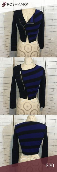 Karen millen jacket N.430 Good condition cropped moto style knit jacket. It has a hole on the left sleeve,no other flaws. Karen Millen Jackets & Coats