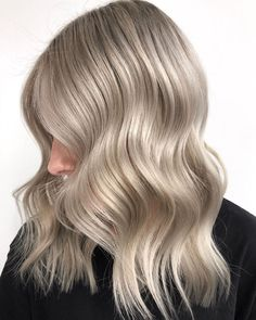 *FORMULA* 👉 Lifted with BLONDME on regrowth mid-lengths & ends (developed with BLONDME Premium Developer Vol.) then coloured with in & for a mini root shade & weaved low lights! Toned using & a drop of Ashy Blonde, Light Blonde Hair, Schwarzkopf Professional, Low Lights, Cut And Color, Long Hair Styles, Beauty, Drop, Colours