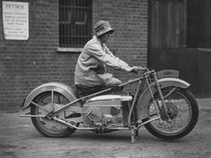 doyoulikevintage:  A woman on a 500 OEC Tinkler All-Weather...