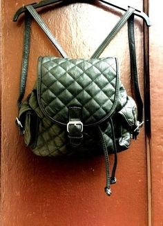 Kup mój przedmiot na #vintedpl http://www.vinted.pl/damskie-torby/plecaki/17587431-czarny-pikowany-plecak