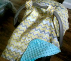 Easy Peasy DIY Car Seat Canopy Tutorial by The Blossoming Bump -  I will learn to do this!!