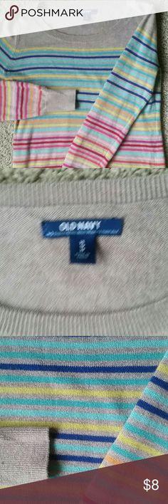 Old Navy sweater Good condition Old Navy Sweaters Crew & Scoop Necks