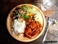 日本人のごはん/お弁当Japanese meals/Bento 【簡単!!カフェごはん】鶏肉の洋風煮込みでワンプレート|レシピブログ  山本ゆりさんのごはんブログ: この方のはハードル低くしてくれていて気が楽に作れます。雑でもいいし, 早く作れて美味しいので, 疲れてて…(´Д` ;)とか, 時間無いお〜(´Д` ;)…とかいう方向き。