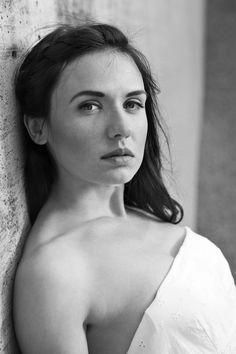 Maria One Shoulder, Portrait, Women, Fashion, People, Moda, Headshot Photography, Fashion Styles, Portrait Paintings