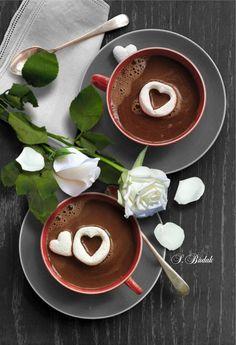 coffee or tea for two Coffee Vs Tea, Coffee Cafe, Coffee Drinks, Coffee Images, Coffee Pictures, Good Morning Coffee, Coffee Break, Matcha, Coffee Presentation