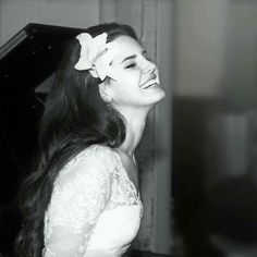 Uploaded by Lana Del Rey. Find images and videos about black and white, smile and lana del rey on We Heart It - the app to get lost in what you love. Elizabeth Woolridge Grant, Summertime Sadness, Aesthetic Vintage, White Aesthetic, Queen Elizabeth, Elizabeth Grant, At Least, Photos, Pictures