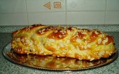 Obrázek z Recept - Nejúžasnější vánočka - rodinný recept Czech Recipes, Russian Recipes, Sweet Desserts, Sweet Recipes, Simply Recipes, Eastern European Recipes, Breakfast Cake, Christmas Baking, My Favorite Food