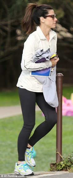 Sandra Bullock running around in her Newton Lady Isaac S shoes!