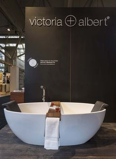 The Barcelona tub complete with its dedicated Backrest and the Tombolo bath rack Master Suite Bathroom, Fitted Bathroom, Guest Bathrooms, Small Bathroom, Bathroom Ideas, Washroom Design, Bathroom Interior Design, Interior Design Living Room, Victoria And Albert Baths