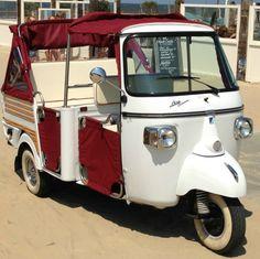 Een tuktuk als bijzonder rouwvervoer? Het kan! | Bekijk meer leveranciers voor een uitvaart op http://www.rememberme.nl/leveranciers | Bron: www.mytuk.nl