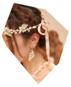 花冠とお揃いのイヤリングが、とってもかわいい!