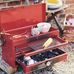 Campfire Food, Campfire Recipes, Diy Toolbox, Tool Box Diy, Portable Barbecue, Yard Furniture, Mother Earth News, Garage Workshop, Cooking Utensils