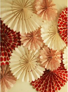 Juneberry Lane: Tutorial Tuesday/Wednesday: Colorful Rosettes