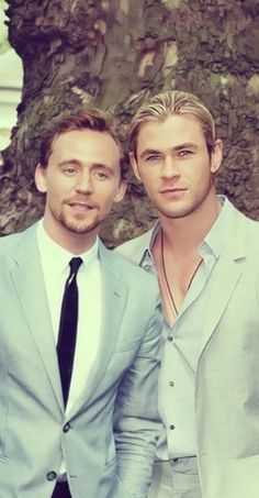 Tom Hiddleston & Chris Hemsworth <3<3