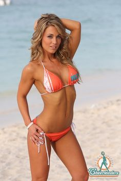I want!!!! (Bathing suit and her body!!)