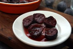 Oven roasting fresh figs makes them extra delicious & is a good way to preserve the bounty. A recipe from chef & cookbook author David Lebovitz. Fig Recipes, Sweet Recipes, Crockpot Recipes, Whole Food Recipes, Paleo Recipes, Delicious Recipes, Roasted Figs, Chef Cookbook, Food Photography Tips