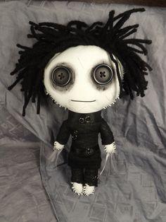 Edward Scissorhands Inspired Rag Doll Goth by TrailOfStitches Creepy Toys, Scary Dolls, Ugly Dolls, Creepy Cute, Cute Dolls, Halloween Crochet, Halloween Doll, Halloween Projects, Creepy Stuffed Animals