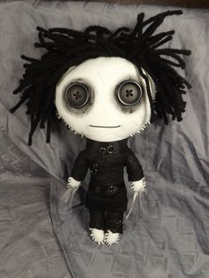 Edward Scissorhands Inspired Rag Doll Goth by TrailOfStitches Halloween Doll, Halloween Crochet, Scary Halloween, Halloween Crafts, Scary Dolls, Ugly Dolls, Cute Dolls, Monster Dolls, Gothic Dolls