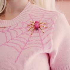 // ☆ PINK WEB ☆ // NEW pink spiderweb sweater, also starring NEW pink spider brooch! Cute Fashion, Vintage Fashion, Spiders And Snakes, Pin Up Outfits, Rockabilly Pin Up, Creepy Cute, Sweater Hoodie, Halloween Party, Angel Dust