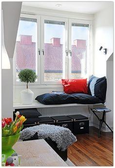 Art Symphony: Cozy Window Seat Nooks