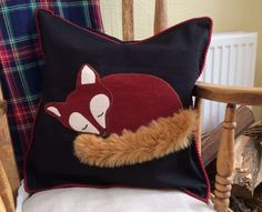 Faux fur tail Fox Applique Cushion Cover on Etsy, Clever adding a fluffy tail Would love this is another colour combo. The fluffly tail is adorable! I just love his bushy tail. Fox of nature Applique Cushions, Sewing Pillows, Wool Applique, Diy Pillows, Wash Pillows, Handmade Pillows, Decorative Pillows, Sewing Crafts, Sewing Projects
