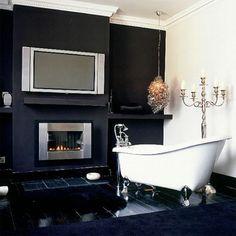 black & white! claw foot tub!