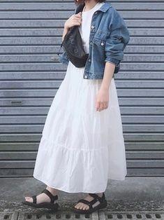 「秋まで着られる服」が狙い目♡LOCARI STOREザ・バーゲン2019の目玉アイテム - LOCARI(ロカリ) Midi Skirt, Tulle, Skirts, How To Wear, Fashion, Moda, Midi Skirts, Fashion Styles, Skirt