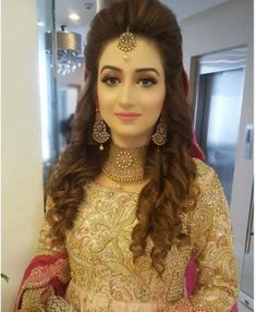 (notitle) wedding and engagement hairstyles 2019 - wedding and engagement hairst. wedding engagement hairstyles 2019 - wedding and engagement 2019 Pakistani Bridal Hairstyles, Bridal Hairstyle Indian Wedding, Hairstyles For Gowns, Pakistani Bridal Makeup, Bridal Hair Buns, Open Hairstyles, Short Wedding Hair, Elegant Hairstyles, Indian Hairstyles