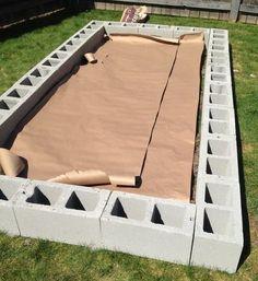 Building A Raised Garden, Raised Garden Beds, Raised Beds, Raised Gardens, Diy Garden Bed, Cinder Block Garden, Cinder Blocks, Cinder Block Ideas, Vegetable Garden Design