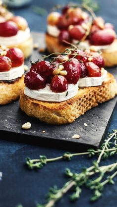 Crostini with Baked Grapes