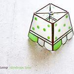 梅雨の季節に爽やかな水玉模様でリフレッシュ♪オリジナルデザインのテーブルランプ『raindrops lime(レインドロップス ライム)』です。 #NijiiroLamp #stainedglass #ニジイロランプ #ステンドグラス