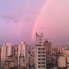 Essa foto rodou São Paulo e foi a terceira mais curtida do ano no Instagram do Catraca Livre. Houve muitas outras fotos desse pôr do sol de encher os olhos no dia 3 de dezembro. Você publicou a sua foto do #PorDoSolEmSP? --//-- Céu de São Paulo nesse instante. Tem beleza aqui também.  Se você é de São Paulo poste sua foto do fim da tarde de hoje com a hashtag #PorDoSolEmSP Aproveite e deixe no comentário o nome da cidade onde você viu o pôr do sol mais lindo da sua vida.  . : @pseudonanda…
