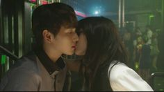 [SPOILER] Jiyeon gives Siwan a sweet kiss on 'Triangle' | http://www.allkpop.com/article/2014/06/spoiler-jiyeon-gives-siwan-a-sweet-kiss-on-triangle
