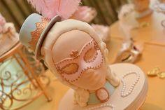 Marie Antoinette themed buttercream and fondant bust for a dessert buffet. A Magic Moment Photography.