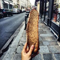 @rushyama POILÂNE (page officielle) One of the things I looked forward most to tasting in #Paris was #bread from the #poilane bakery. Their famous miche loaves are several pounds large but thankfully you can buy by the slice. #yum #delicious