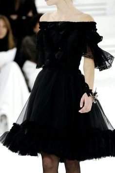 Chanel Spring 2006 - Details