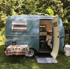 Boler trailers were the original ultralight camper, and this one got new life during an internal and external renovation. Hank the Boler will be up for adventure for many years! Small Camper Trailers, Scamp Trailer, Tiny Camper, Small Campers, Vintage Campers Trailers, Retro Campers, Cool Campers, Camper Life, Vintage Airstream