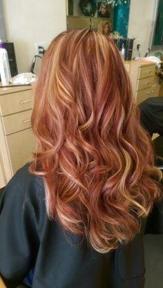 Colored Blunt Cut - 25 Thrilling Ideas for Red Ombre Hair - The Trending Hairstyle Strawberry Blonde Hair Color, Red Blonde Hair, Red Ombre Hair, Hair Color Auburn, Auburn Hair, Red Hair Color, Hair Color Balayage, Hair Highlights, Maroon Highlights
