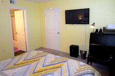 "Master bedroom with desk, wireless printer and 42"" flat screen tv - Key West Top Floor Condo ""Seaside Breeze"" -Monthly -  - rentals"