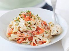 Crock-Pot Fettuccine with Smoked Salmon: 2C heavy cream, 3-4 oz smoked salmon, 1 lb fettuccine, 2 Tb olive oil