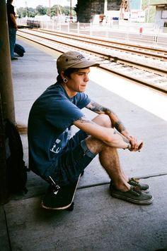 Skate of Mind: Photo Indie Men, Indie Hipster, Hipster Grunge, Grunge Fashion, Mens Fashion, Surfer Guys, Skater Boys, Skate Style, Skate Wear