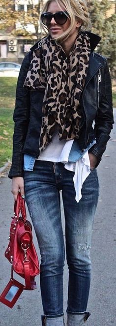 New how to wear jeans with heels casual jackets ideas Winter Fashion Outfits, Look Fashion, Fall Outfits, Autumn Fashion, Casual Outfits, Womens Fashion, Fashion Mag, Fashion 2015, Jeans Fashion