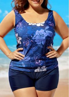 Plus Scoop Neck Flower Print Top and Navy Shorts