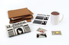Paper toys des éléments du bureau de l'enquêteur (dossiers, journal, fiche suspects, tasse de café et photographies) - Réalisation en papier (Paper craft) - Les Fasces Nébulées