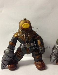 Fondant Bioshock Big Daddy cake topper by C and C Factory..   Available to order in our Etsy Shop https://www.etsy.com/shop/CandCFactory