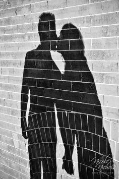 besos y sombra. #shadows #kissing