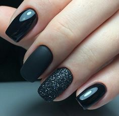 nails, You can collect images you discovered organize them, add your own ideas to your collections and share with other people. Stylish Nails, Trendy Nails, Cute Nails, Black Nail Polish, Black Nails, Black Glitter, Hair And Nails, My Nails, Nailart Glitter